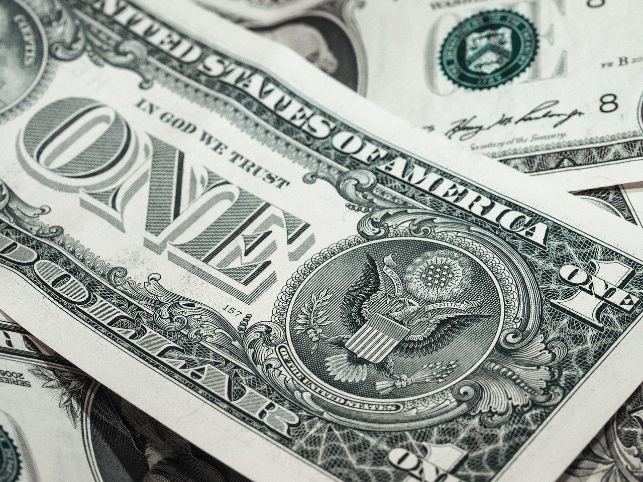 Początki pieniędzy na świecie – od muszli do złota