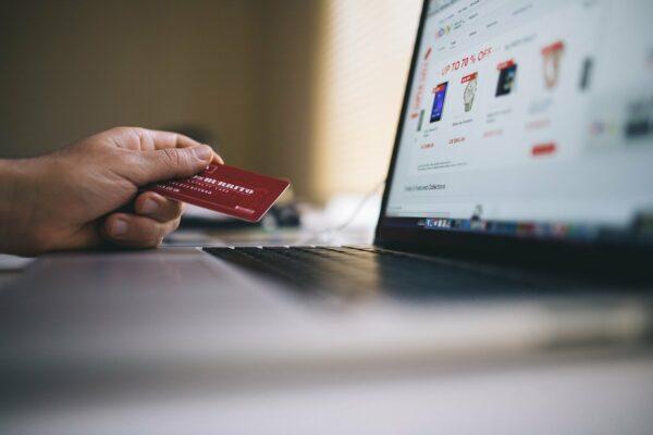Co warto wiedzieć o sprzedaży w Internecie?
