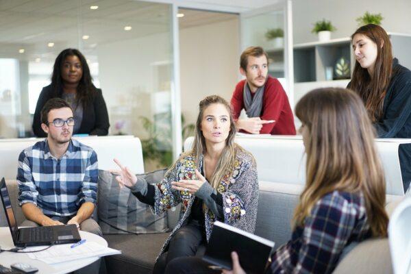 Jak szybko zarobić pieniądze nie mając doświadczenia zawodowego?