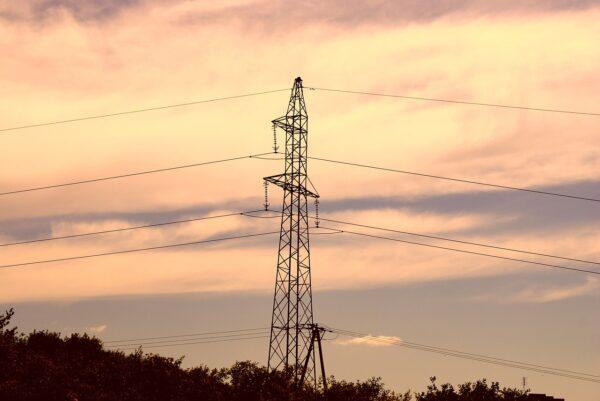 Uprawnienia elektryczne, energetyczne i gazowe – dlaczego warto je uzyskać?